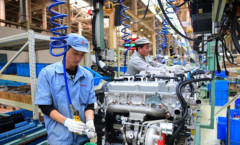 técnicos y mecánicos de carros japoneses