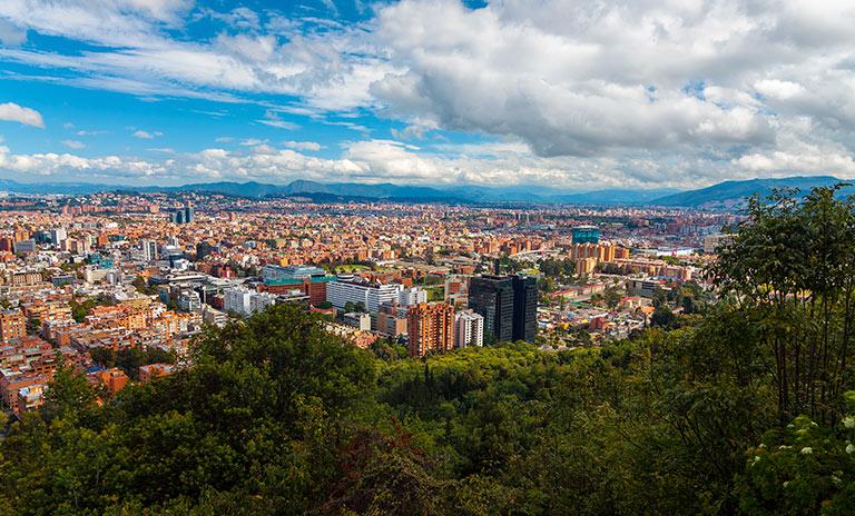 Vista de Bogotá en un día soleado