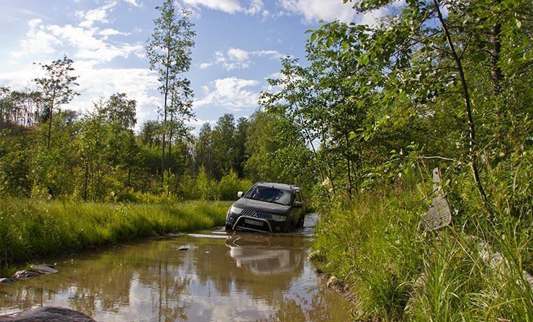 campaña calendario camionetas 4x4 mitsubishi
