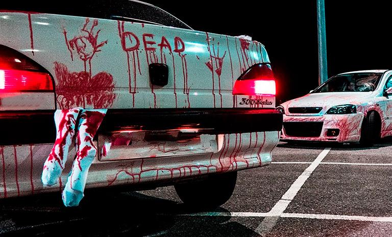Disfraces para carro en Halloween: persona secuestrada