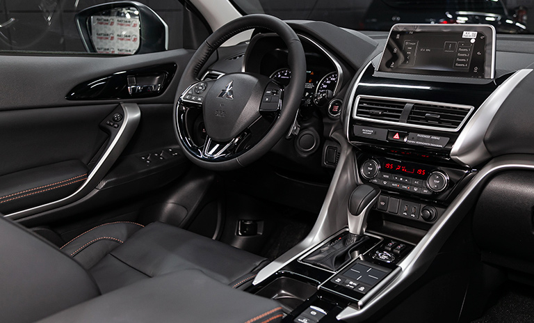 interior eclipse cross camionetas suv