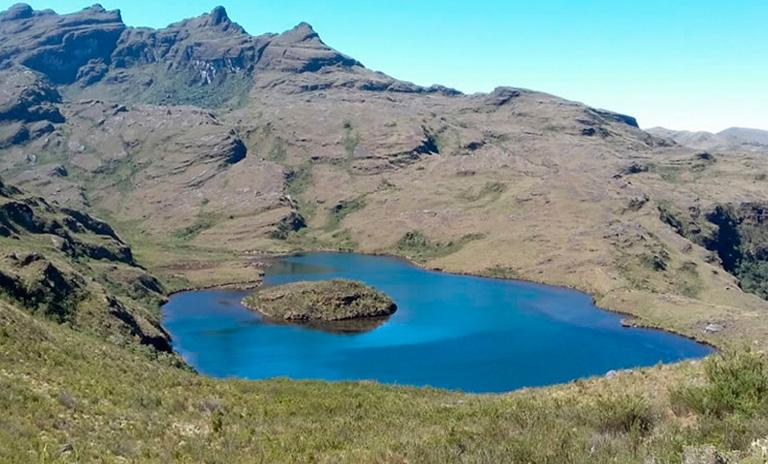 Lago Kalima de los mejoes sitios para acampar en Colombia