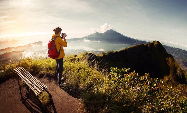 fotógrafo capturando paisajes de los lugares mágicos de Colombia