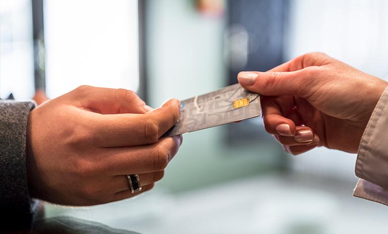 Tarjeta Visa uno de los beneficios de la comunidad Motorysa