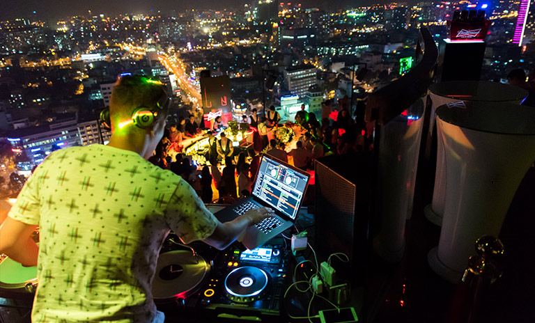 DJ Toca playlist de música electrónica