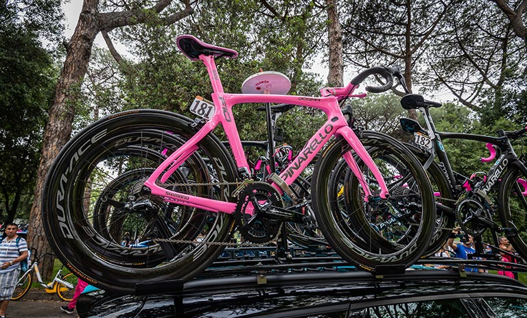 El porta bicicletas en uno de los accesorios para camionetas más populares