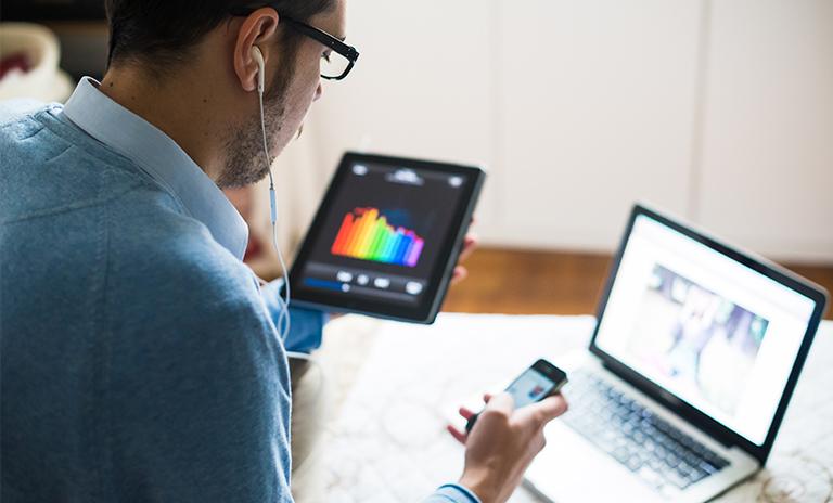 Evitar el multitasking es una forma de ser productivo trabajando en casa