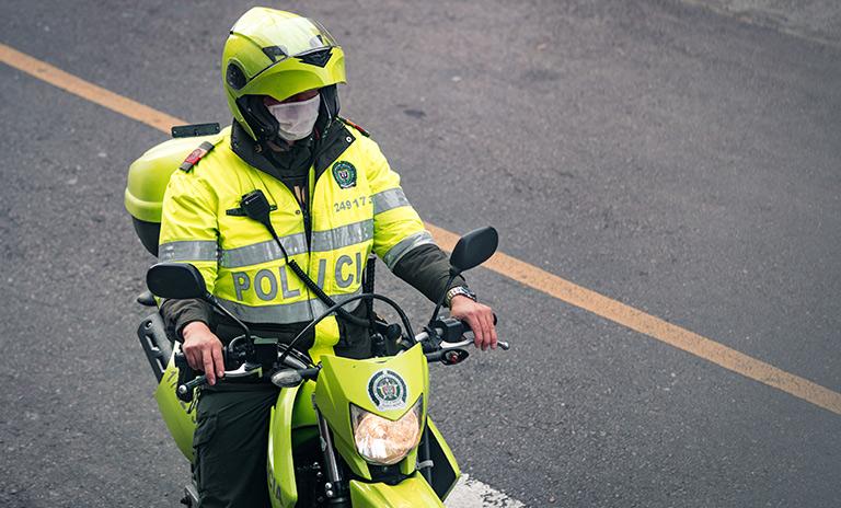 Policía de Transito vigila el pico y placa en Bogotá