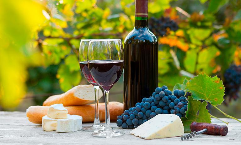 Una de las más clásicas comidas afrodisíacas, queso y uvas