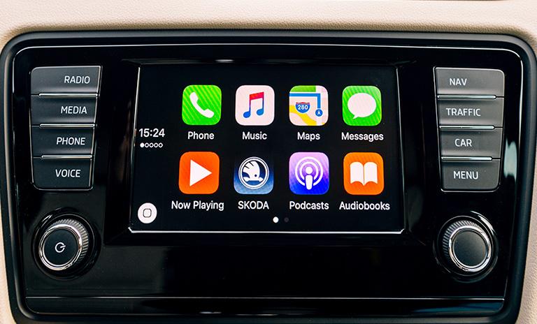 Apple Car Play uno de los sistemas de entretenimiento para el auto