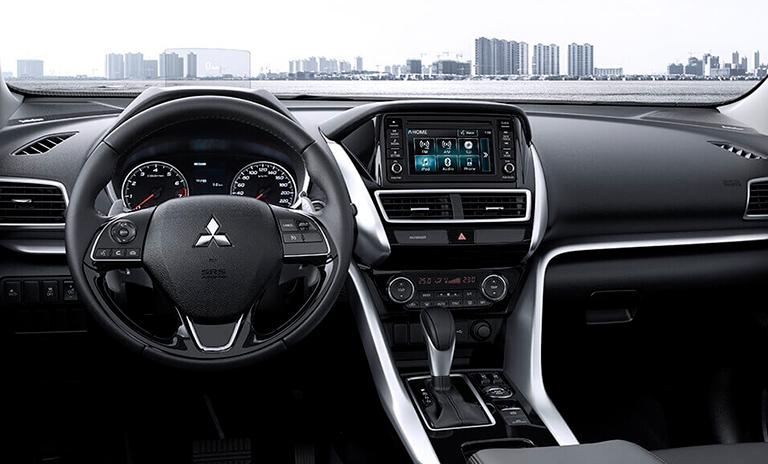 Interior de los vehículos utilitarios Ecplipse Cross
